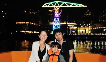 家族で舟遊び